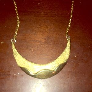 Beautiful Gold Necklace 🎁NWOT🎁